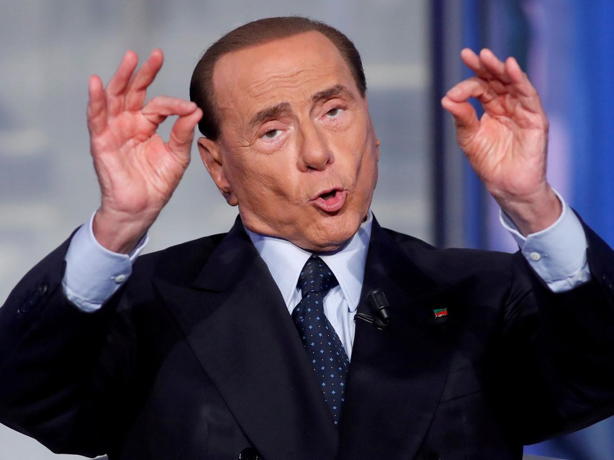 Former Italian prime minister Silvio Berlusconi gestures during a television talk show on June 21, 2017. Photo: Rueters / Remo Casilli/ File Photo