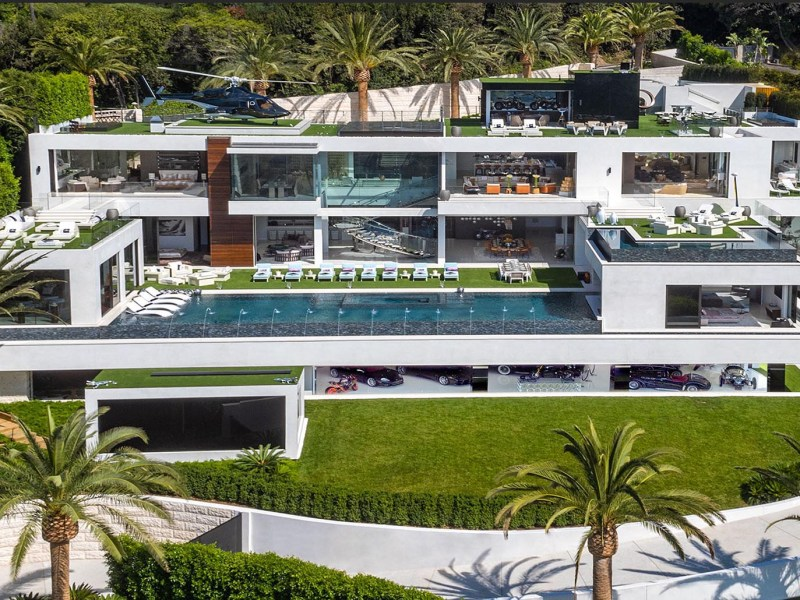 Got a spare $250 million? If you're among the 0.1%, you probably do. Photo: Bruce Makowsky