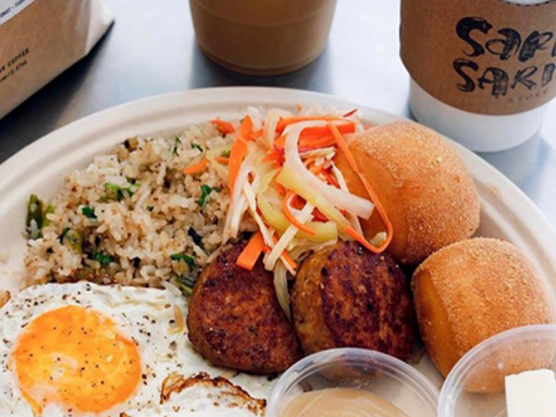 Breakfast is served all day at Sari Sari Store. Photo: sarisaristorela.com