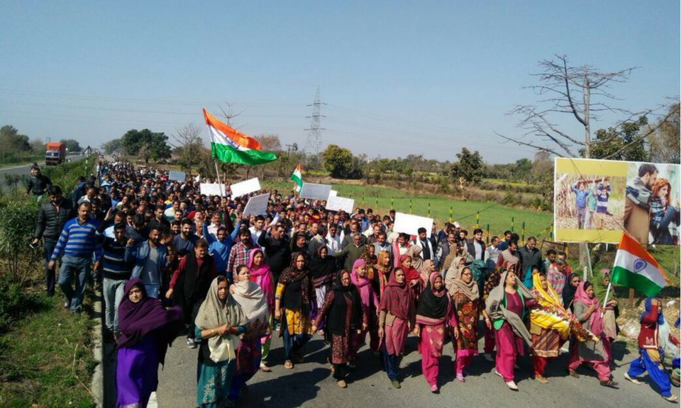 A rally in Jammu and Kashmir's Kathua, in support of a police officer arrested for the rape and murder of an eight-year-girl from a nomadic Muslim community. Photo: Twitter/ @Ishtiyaqbashir9