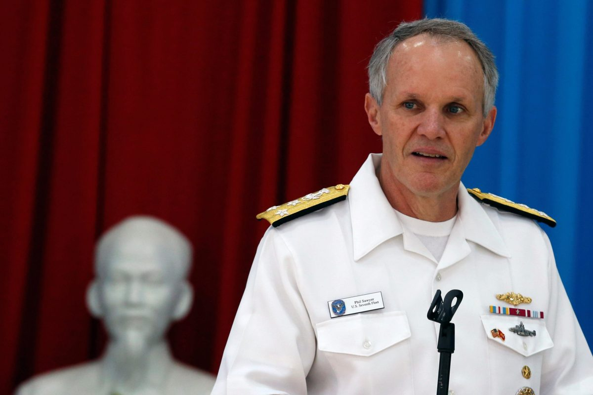 Vice-Admiral Phillip Sawyer, commander of the US Seventh Fleet, speaks as a statue of late Vietnamese revolutionary leader Ho Chi Minh is seen in the background. Photo: Reuters