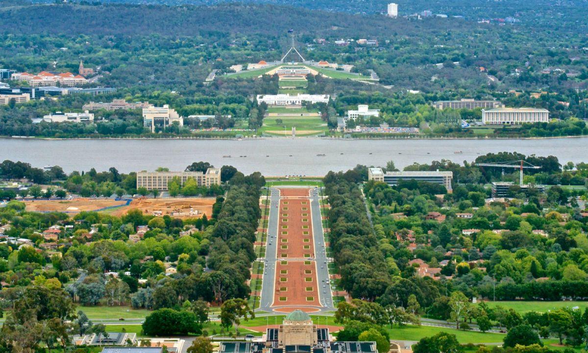 Canberra, capital of Australia. Photo: Wikimedia Commons, Jason Tong