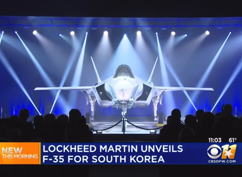 One of 40 F-35A fighter jets headed for South Korea is seen at a ceremony in Texas. Photo: CBS Dallas Fort Worth/YouTube screen grab