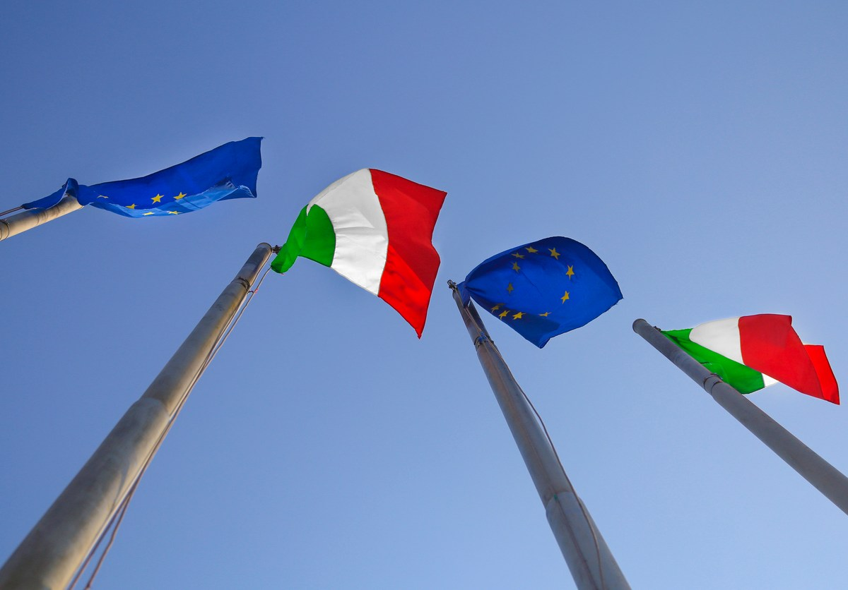 Flags of Italy and the European Union. Photo: iStock