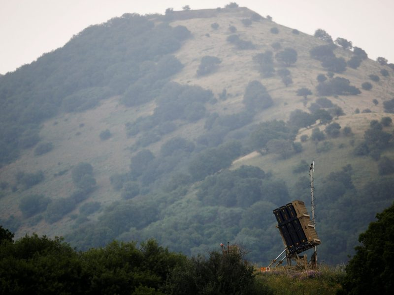 An Iron Dome anti-missile system can be seen near the Israeli side of the border with Syria in the Israeli-occupied Golan Heights, Israel May 9, 2018. Photo: Reuters/Amir Cohen