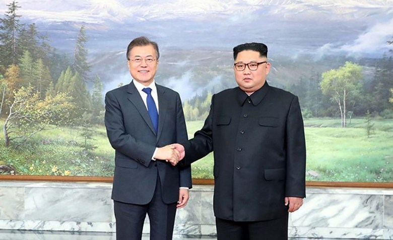 North Korean leader Kim Jong-un and South Korea President Moon Jae-in at their second, surprise summit at Panmunjom. Photo: The Blue House