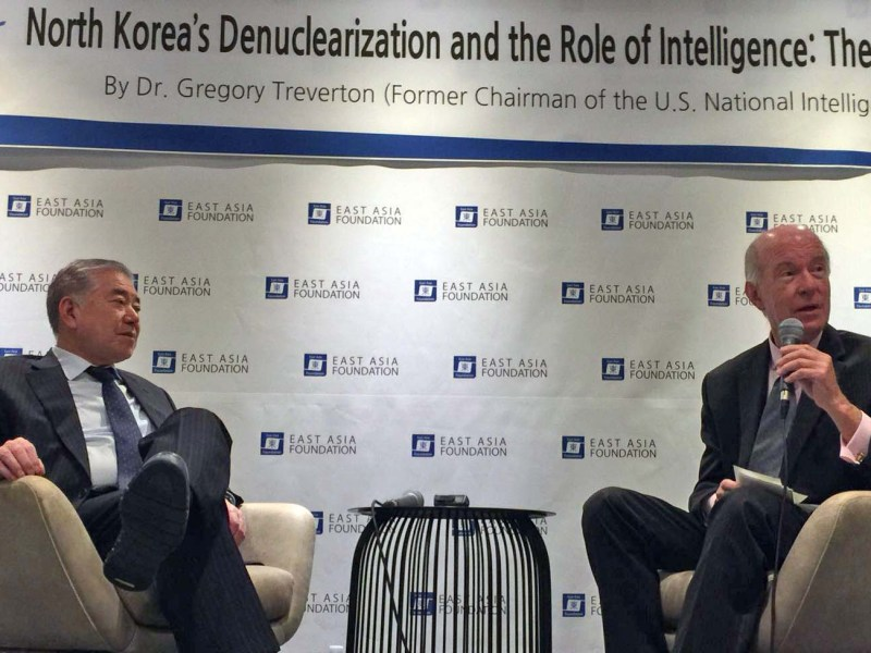 Presidential advisor Moon Chung-in (left)and former NIC head Gregory Treverton speak at the East Asian Foundation in Seoul, Friday. Photo: Andrew Salmon/ Asia Times