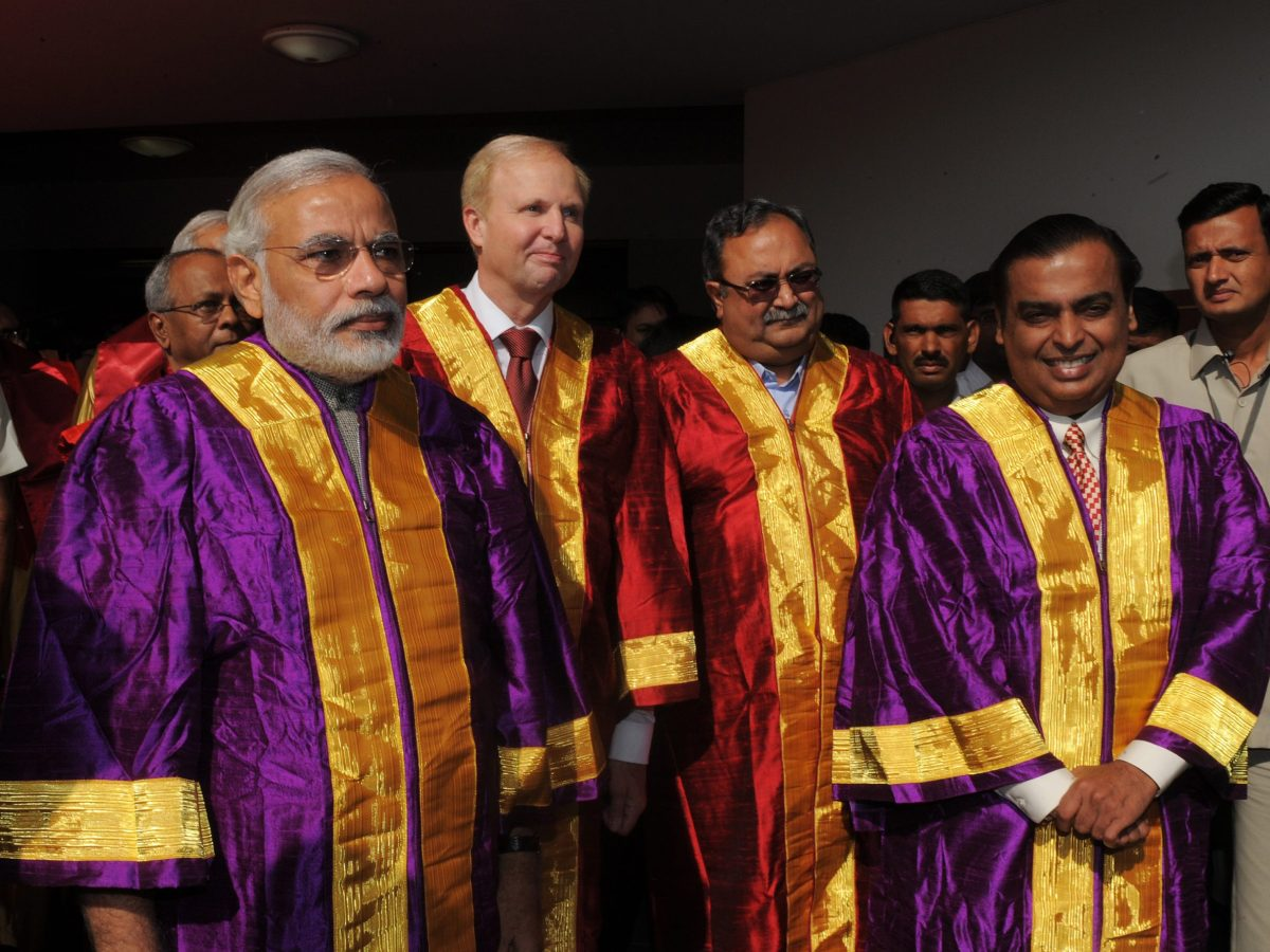 Prime Minister Narendra Modi (L), Reliance Industries CMD and Chairman of the Pandit Deendayal Petroleum University Board Mukesh Ambani (R), British Petroleum Group's Chief Executive Bob Dudley (2L) and Gujarat  state energy and petrochemicals minister Saurabh Patel (2R) during the 3rd convocation of the  Pandit Deendayal Petroleum University  in Gandhinagar. Photo: AFP/Sam Panthaky