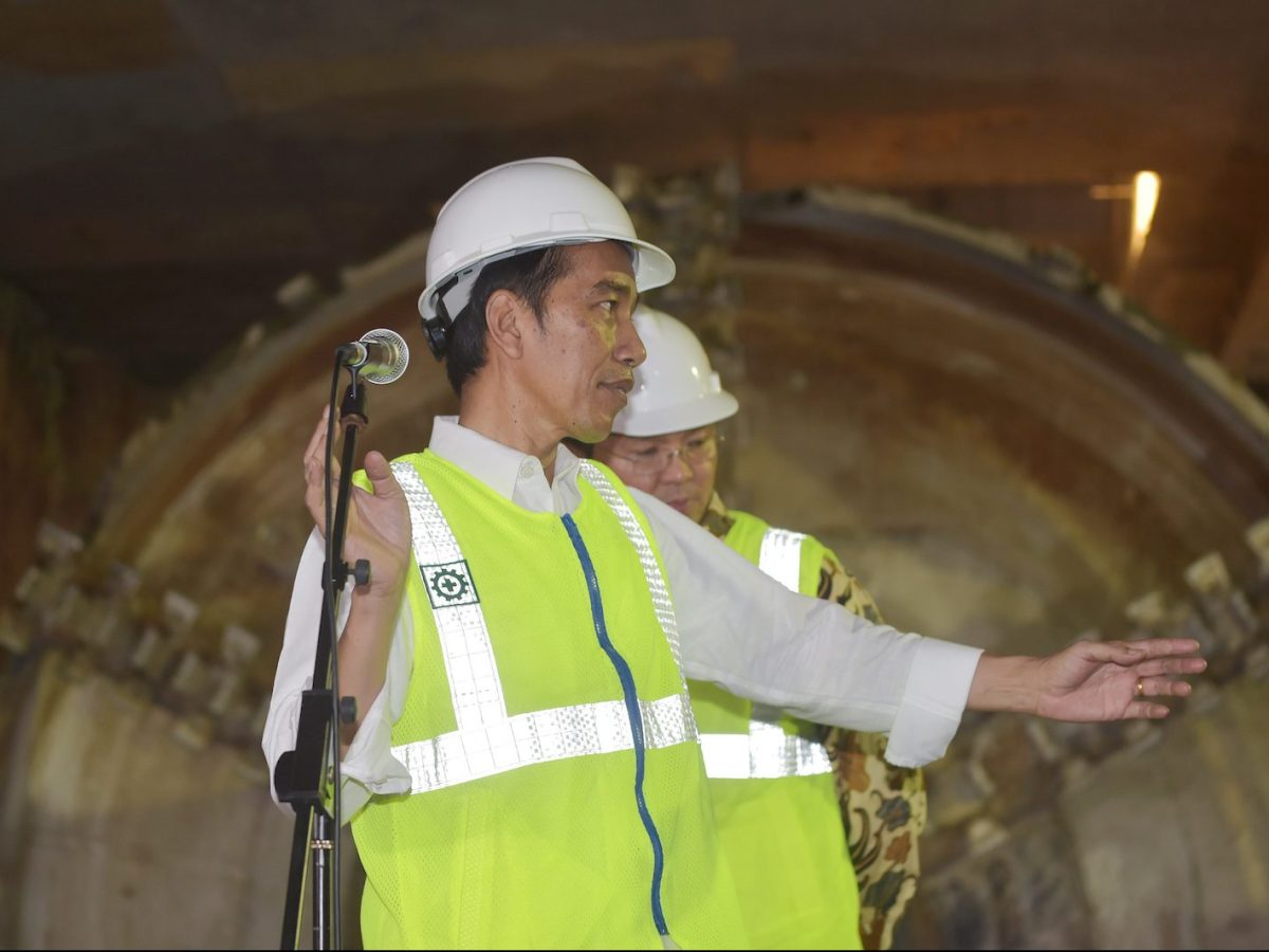 Indonesian President Joko Widodo gestures during a visit to Mass Rapid Transit (MRT) project in Jakarta on February 23, 2017. Photo: AFP/Adek Berry