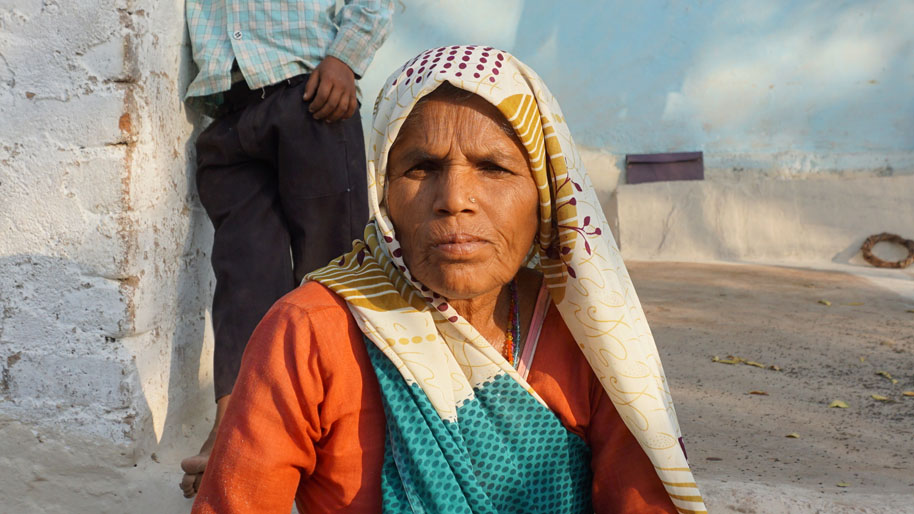 Phula Bai was the first woman in the Bundelkhand region to demand that women be allowed to lease ponds for fish-farming. Photo: Saurabh Sharma