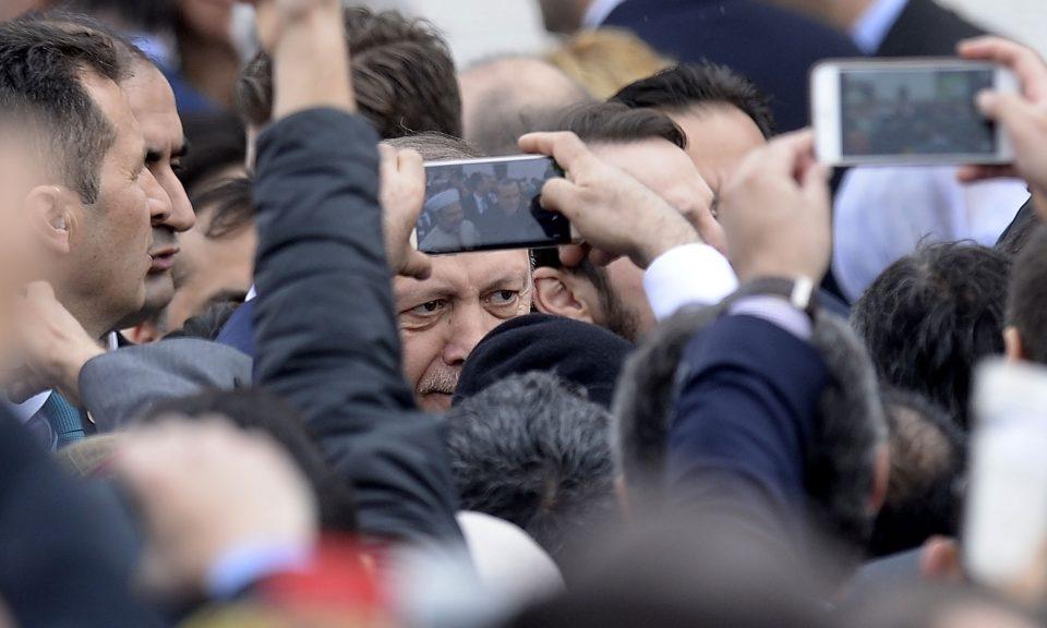 土耳其總統埃爾多安於2016年4月抵達美國的Diyanet伊斯蘭文化中心。相片:AFP / Olivier Douliery