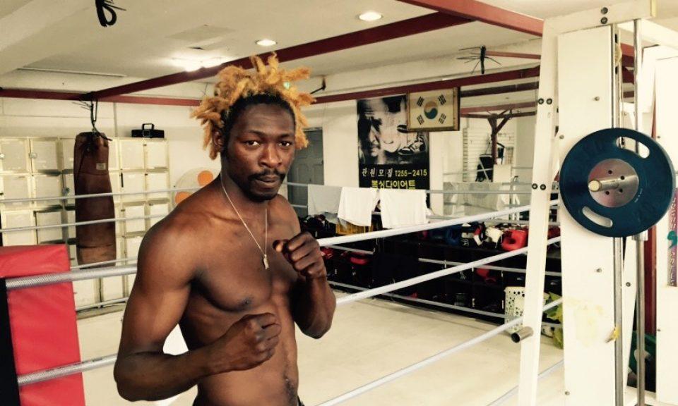 出生於喀麥隆的拳擊手阿薩德成功在南韓尋求庇護。數百名飽受戰爭蹂躪的也門難民卻沒那麼幸運。相片:Steven Borowiec