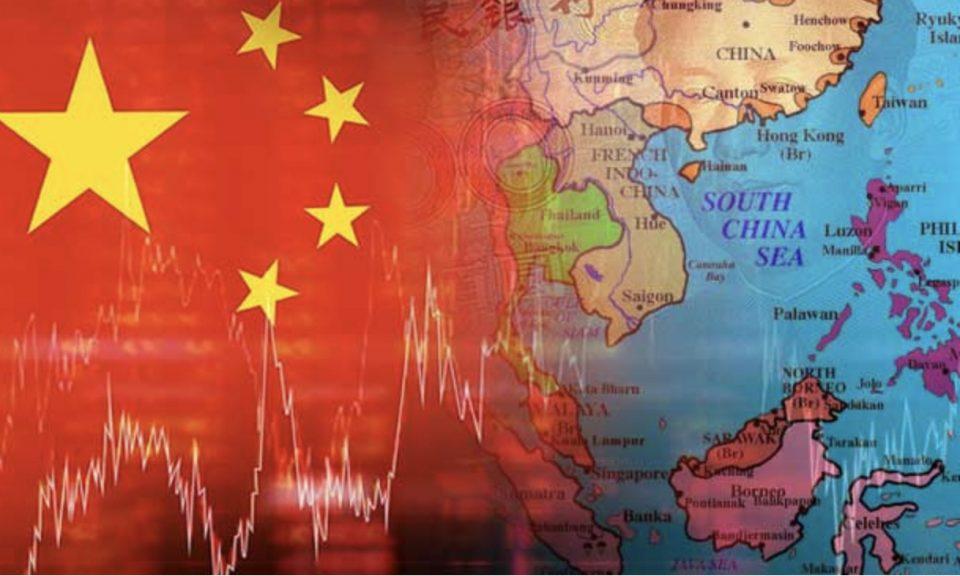 中國國旗蓋在東南亞地圖上的插畫圖。相片:iStock