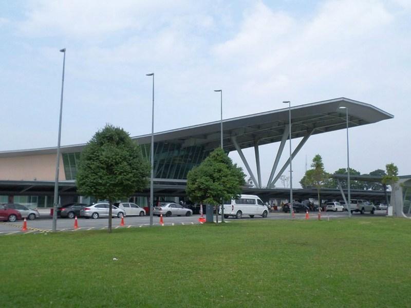 Senai International Airport. Photo by Wikipedia.
