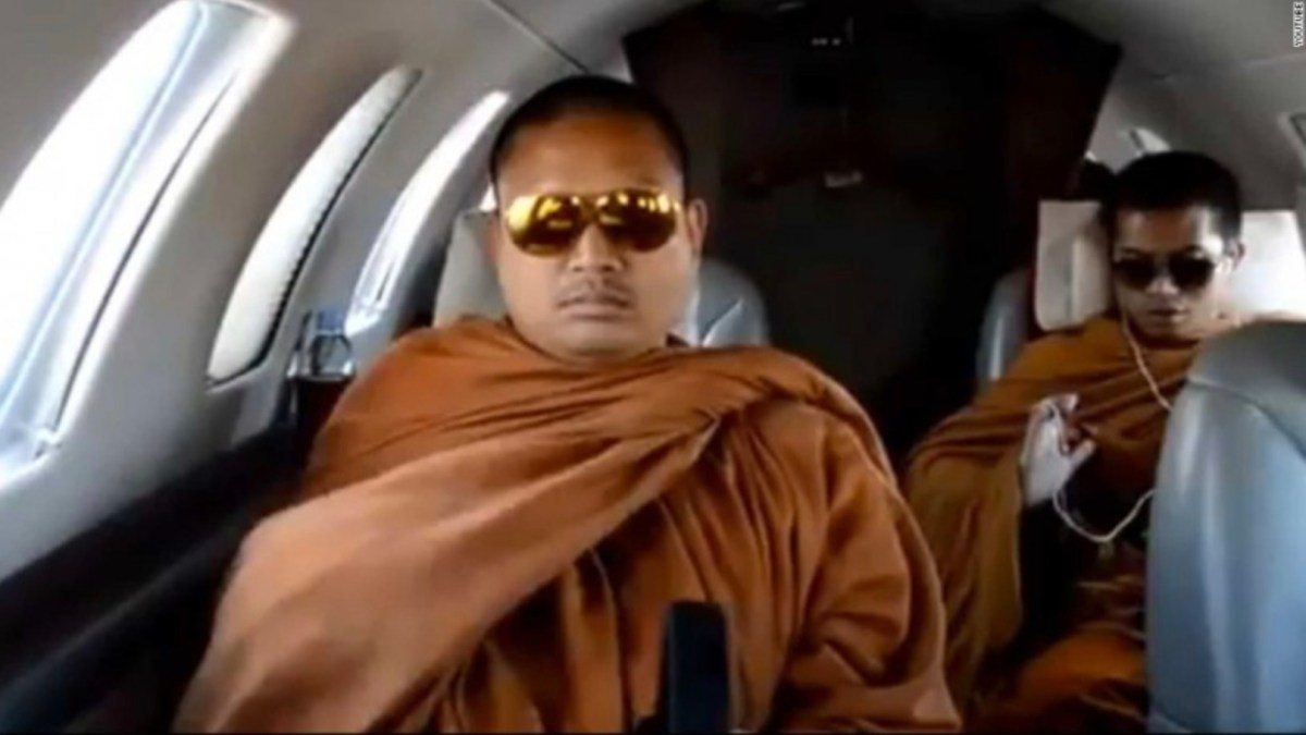 Defrocked Thai Buddhist monk Wirapol Sukphol is seen in a 2013 video aboard a private a jet. Photo: YouTube
