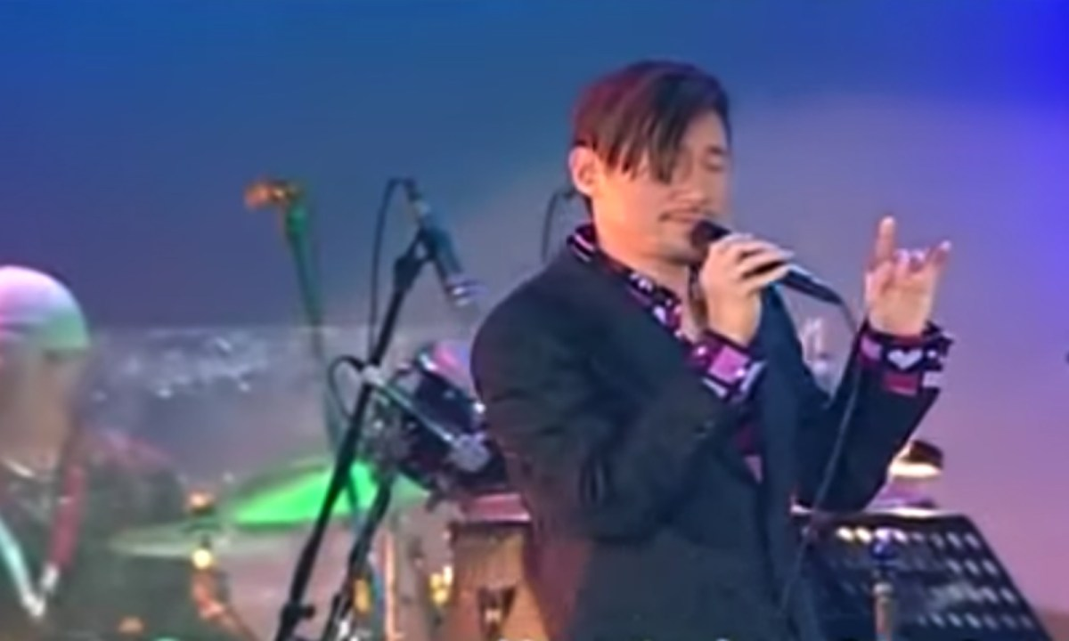 Jacky Cheung in concert. Photo: YouTube