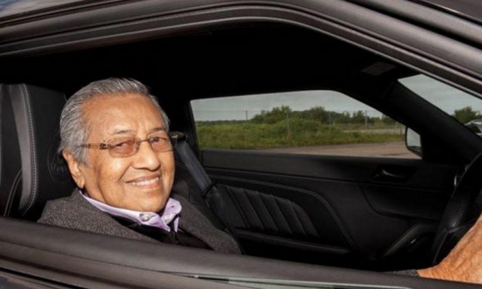 馬來西亞總理馬哈蒂爾領導該國邁向新的國家汽車項目。相片:Facebook