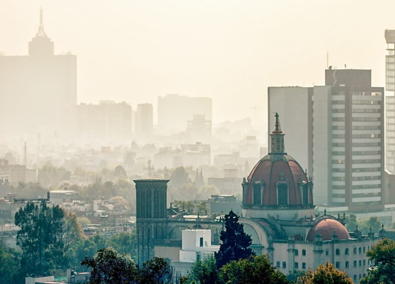 資料圖片:墨西哥城被霧霾覆蓋的天際線。相片:iStock