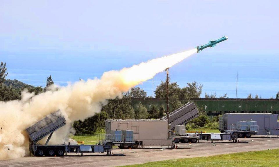 台灣雄風雄風二號反艦導彈海防系統正在運作中。相片:AFP