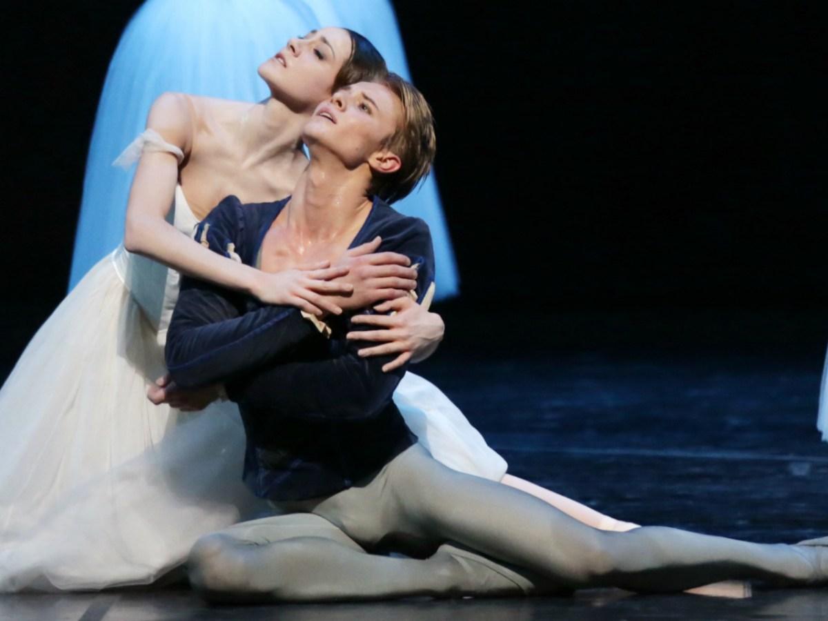 Giselle by La Scala with Nicoletta Manni and Timofej Andrijashenko. Photo: La Scala Theatre Ballet Company