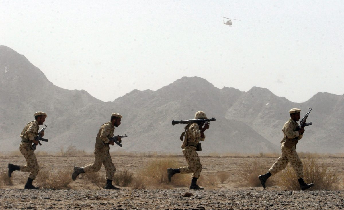 Iranian soldiers participate in military manoeuvres at Sistan-Baluchestan province, about 50 kilometers east of the city of Zahedan near the Pakistani border, on August 19. 2006. Photo: AFP/FARSNEWS/STR