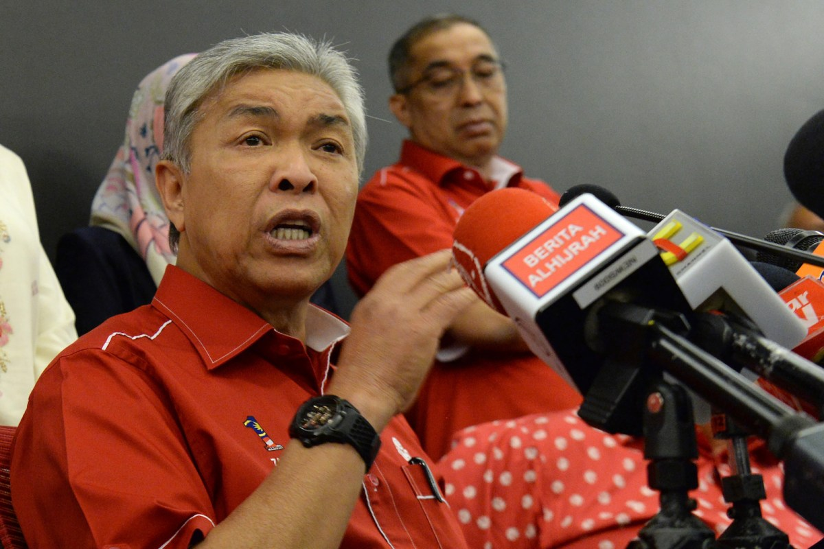 Ahmad Zahid Hamidi, Malaysia's former deputy prime minister and acting president of the United Malays National Organization (UMNO), speaks to reporters during a press conference in Kuala Lumpur on May 14, 2018. Photo: AFP / Roslan Rahman