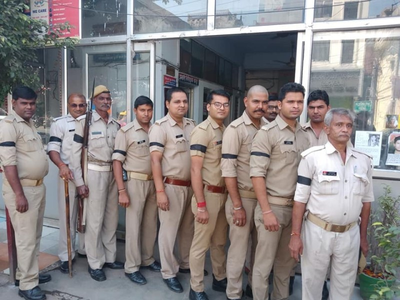 Uttar Pradesh's police observed a black day in solidarity with the cops accused in the killing of Apple executive, Vivek Tiwari. Photo: Twitter