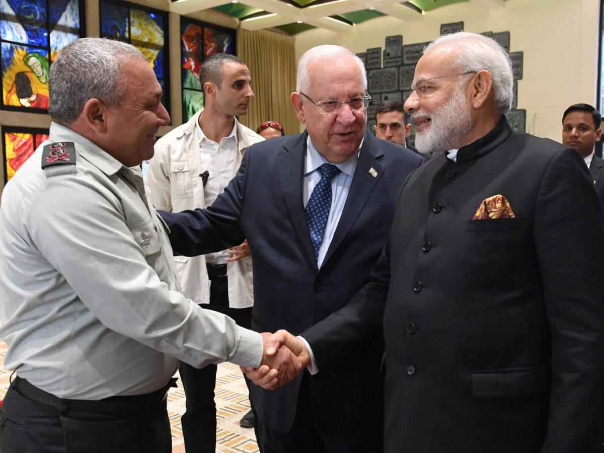 Indian Prime Minister Narendra Modi meets Lieutenant-General Gadi Eizenkot, the Israeli chief of defense, on a visit to Israel in July 2017.  Photo: Wikipedia