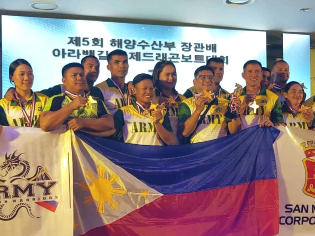 The Philippine Army Dragon Boat team was hailed as the overall champions after winning five gold medals at the 2018 ARA Waterways International Dragon Boat Festival. Photo: Facebook/ Philippine Army Dragon Boat Team