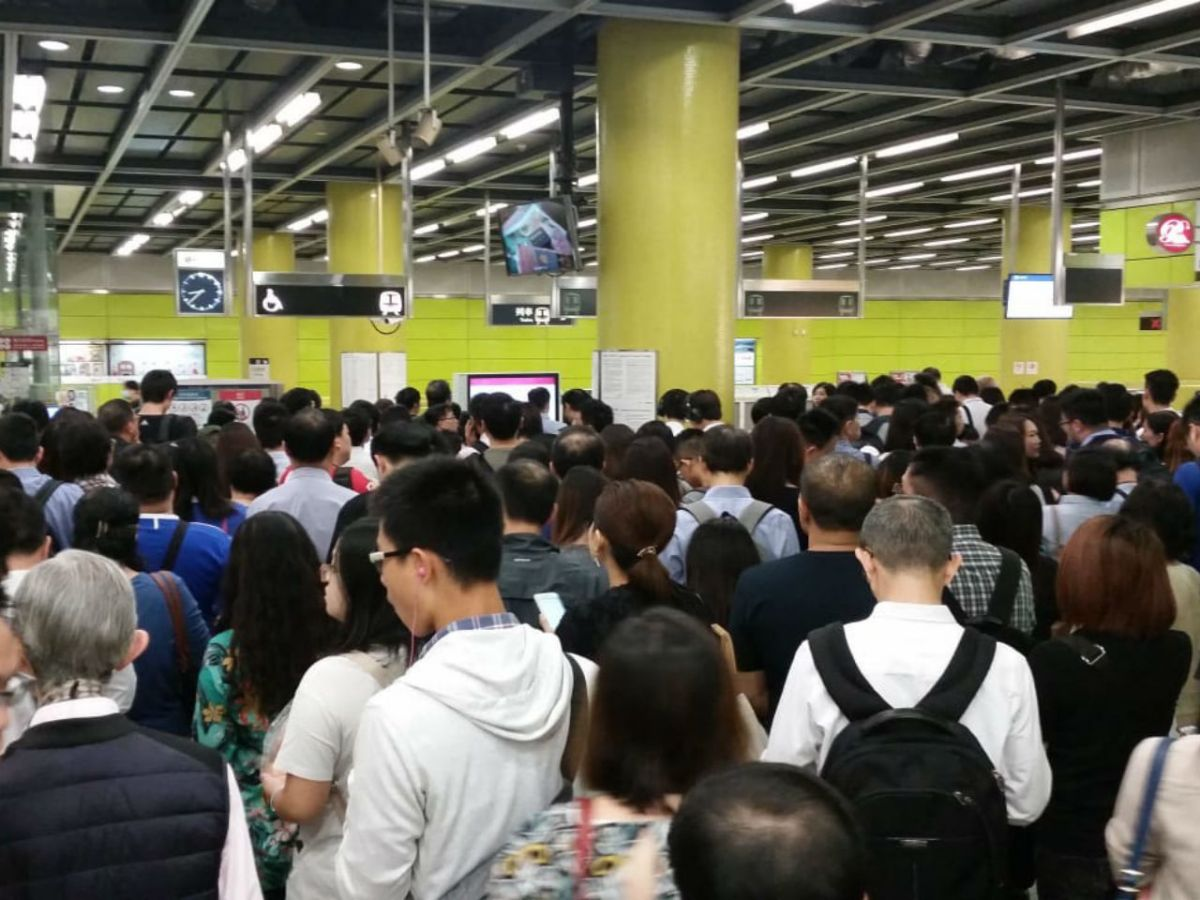 Crowds at Tiu Keng Leng Station on Tuesday morning. Photo: Asia Times