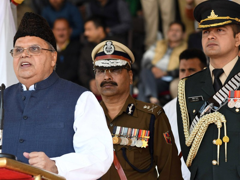 Jammu and Kashmir Governor Satya Pal Malik (L) dissolved the state Assembly on November 21, 2018, paving way for fresh elections in the restive Indian state. Photo: The Times of India/Bilal Bahadur