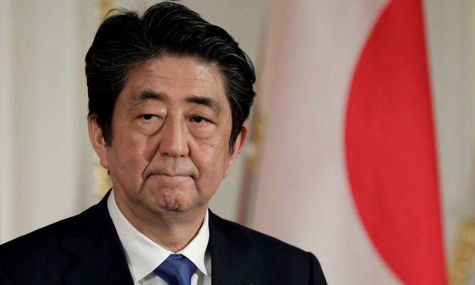 隨著經濟收縮,安倍晉三可能面臨艱難的第三個任期。相片:AFP / KiyoshiOta