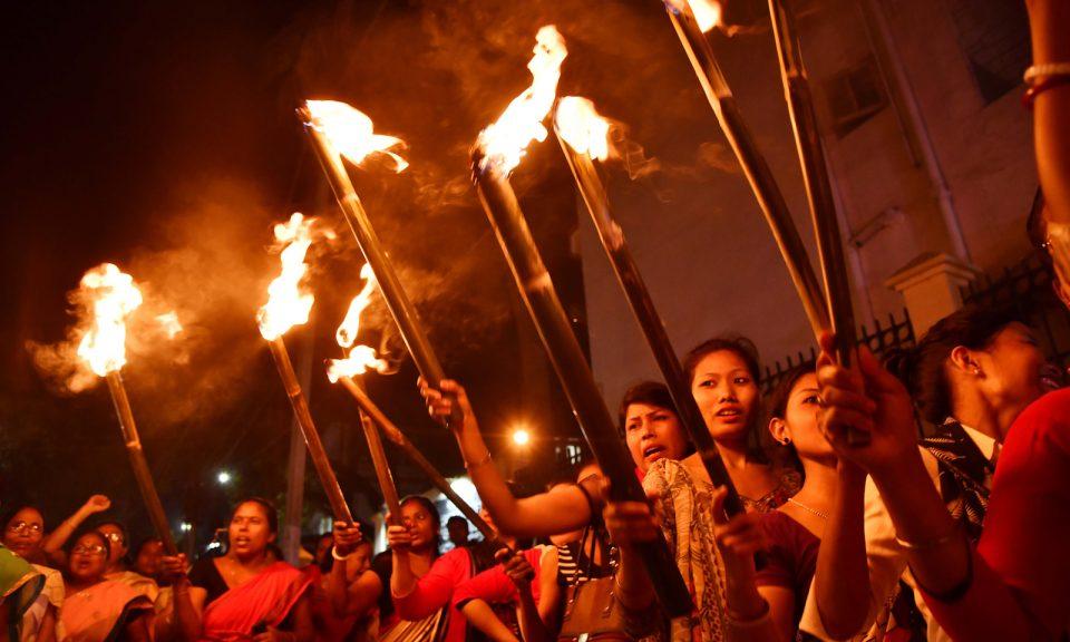 2008年,一批婦女參加在阿薩姆邦古瓦哈提(Guwahati)反對《2016年公民權(修正)法案》的集會,該法案將賦予來自孟加拉、巴基斯坦和阿富汗的少數民族公民身份或在印度居留的權利。相片:AFP / Biju Boro