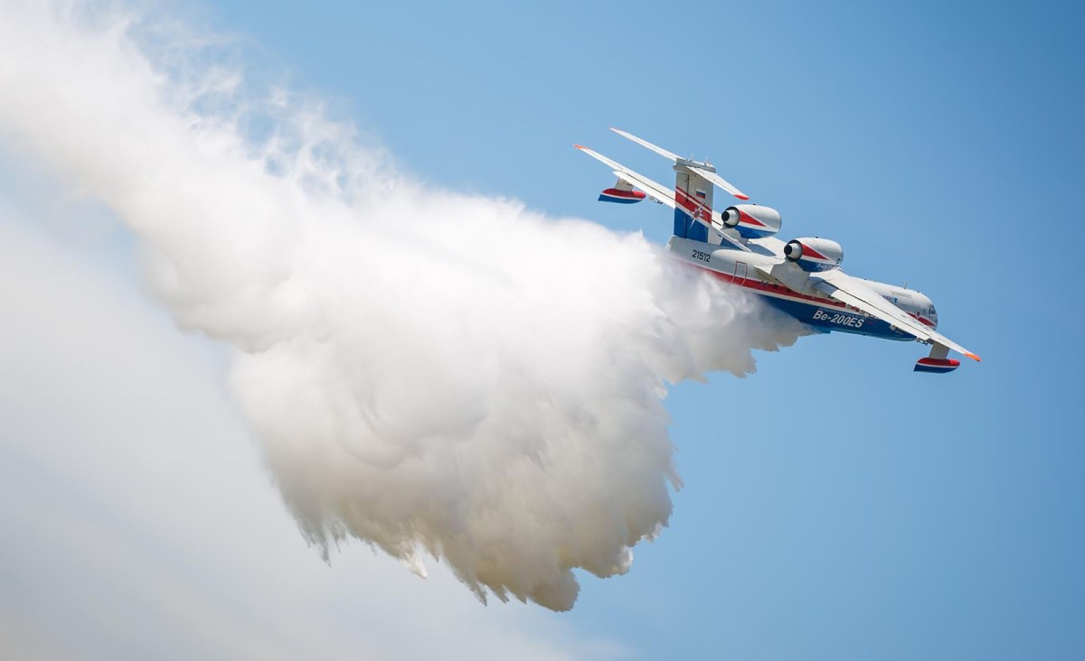 The Russian Beriev Be-200 releases water to fight fires in Taganrog, Russia. Photo: iStock