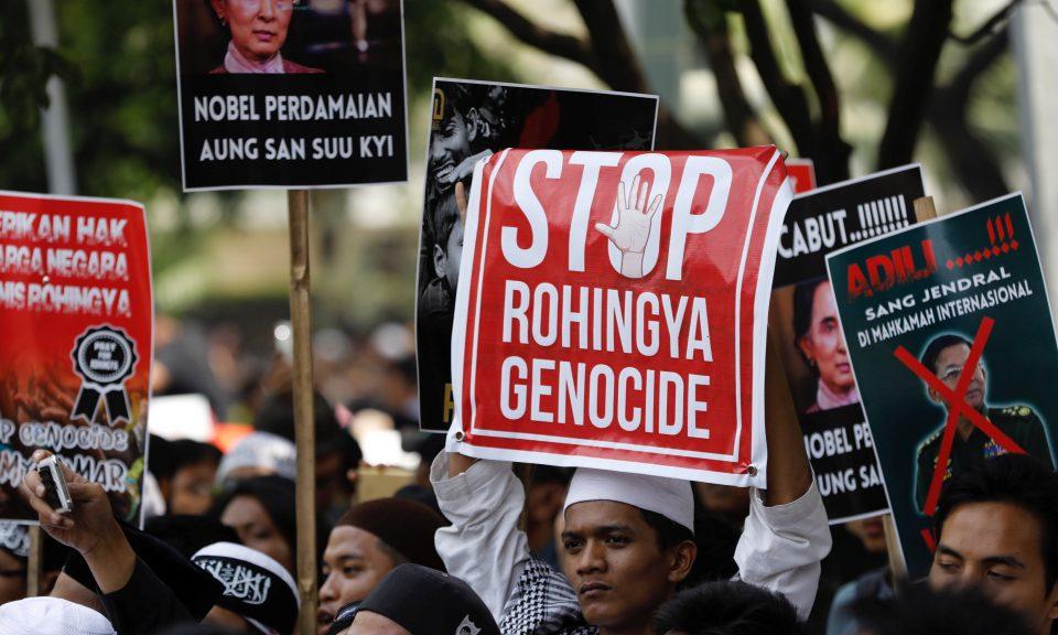 2017年9月6日,示威人士在緬甸駐雅加達大使館附近舉行集會,抗議政府對待羅興亞穆斯林的方式。相片:Reuters / Darren Whiteside