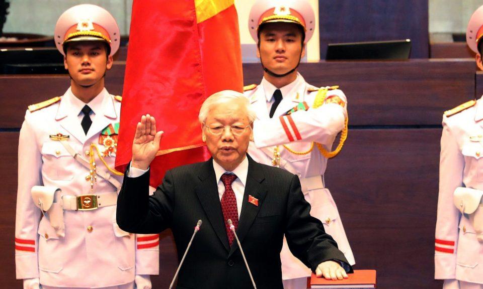 越南共產黨總書記阮富仲於2018年10月23日在河內國會大樓內宣誓就任國家總統。相片:Vietnam News Agency via AFP