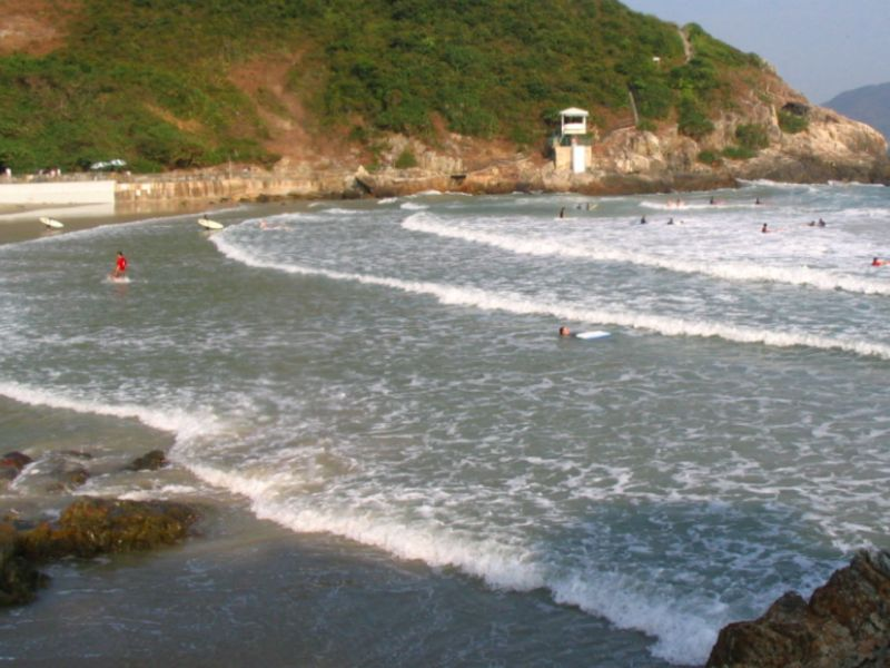 Big Wave Bay in Shek O on Hong Kong Island. Photo: Wikipedia/Minghong
