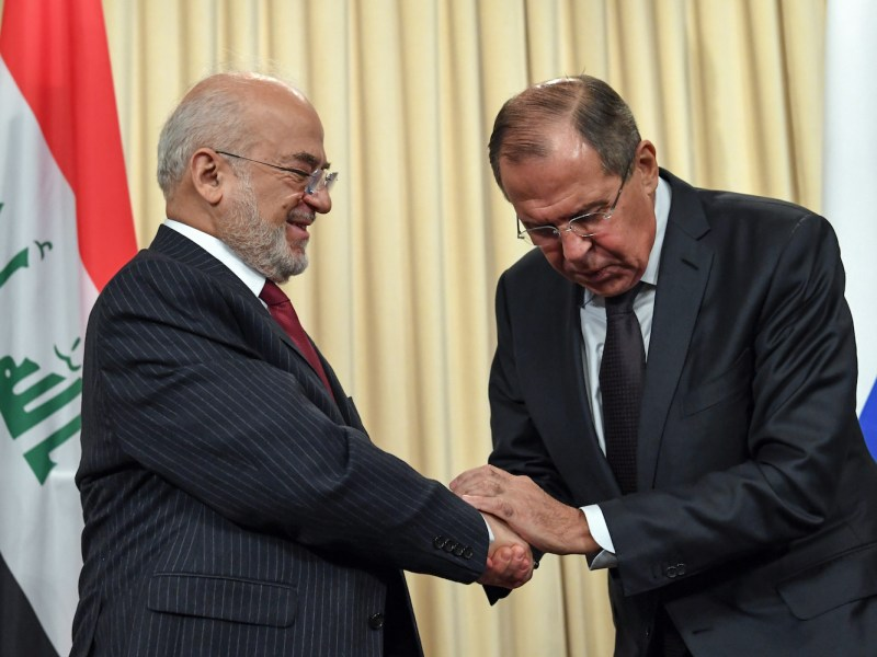 Russian Foreign Minister Sergei Lavrov, right, shakes hands with his Iraqi counterpart Ibrahim al-Jaafari at the end of a joint press conference following their meeting in Moscow on October 23, 2017. Photo: Kirill Kudryavtsev / AFP
