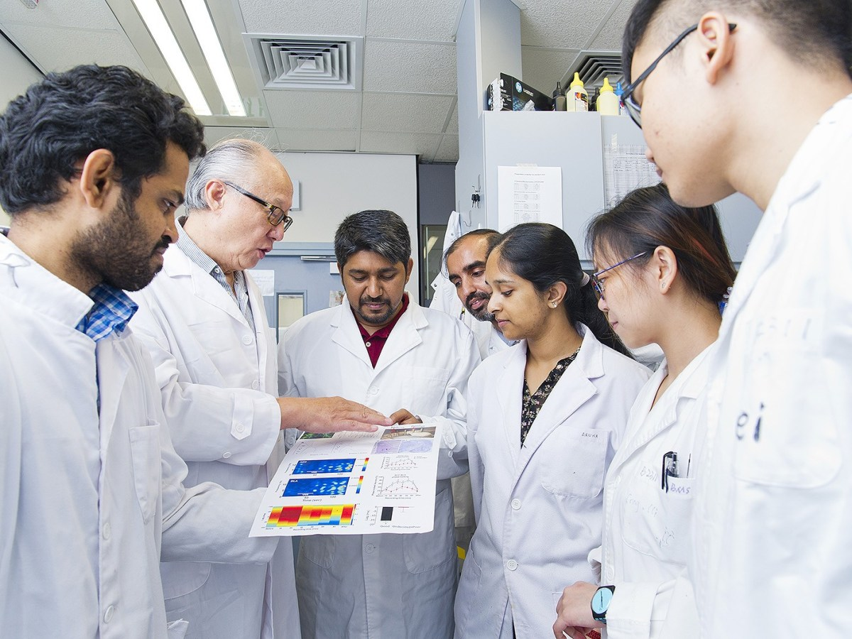 Professor Li Ying (second from left) discusses the findings with the CityU research team. Photo: Handout