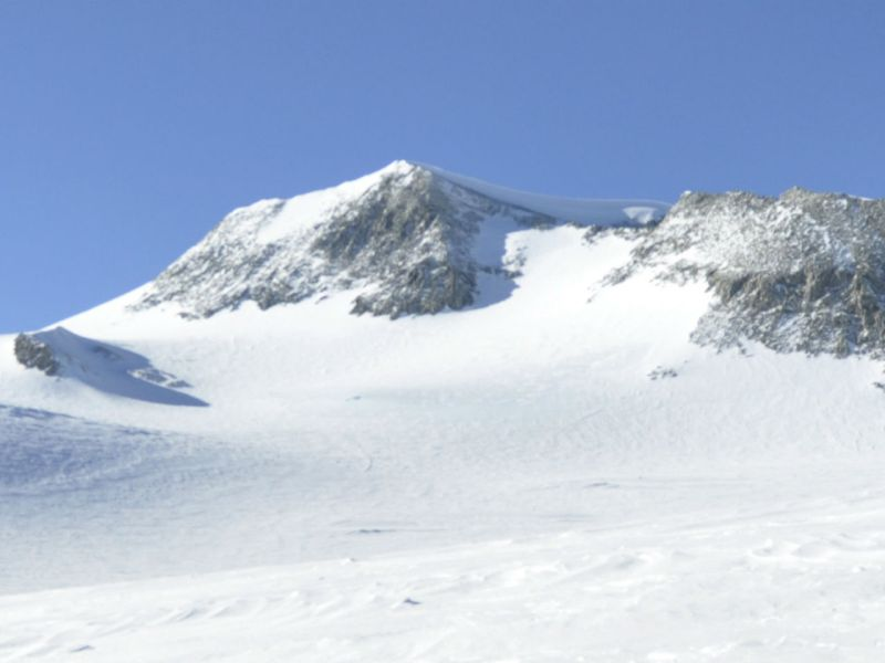 Mt Vinson Massif, the highest peak in Antartica and part of the Seven Summits. Photo: Wikimedia Commons