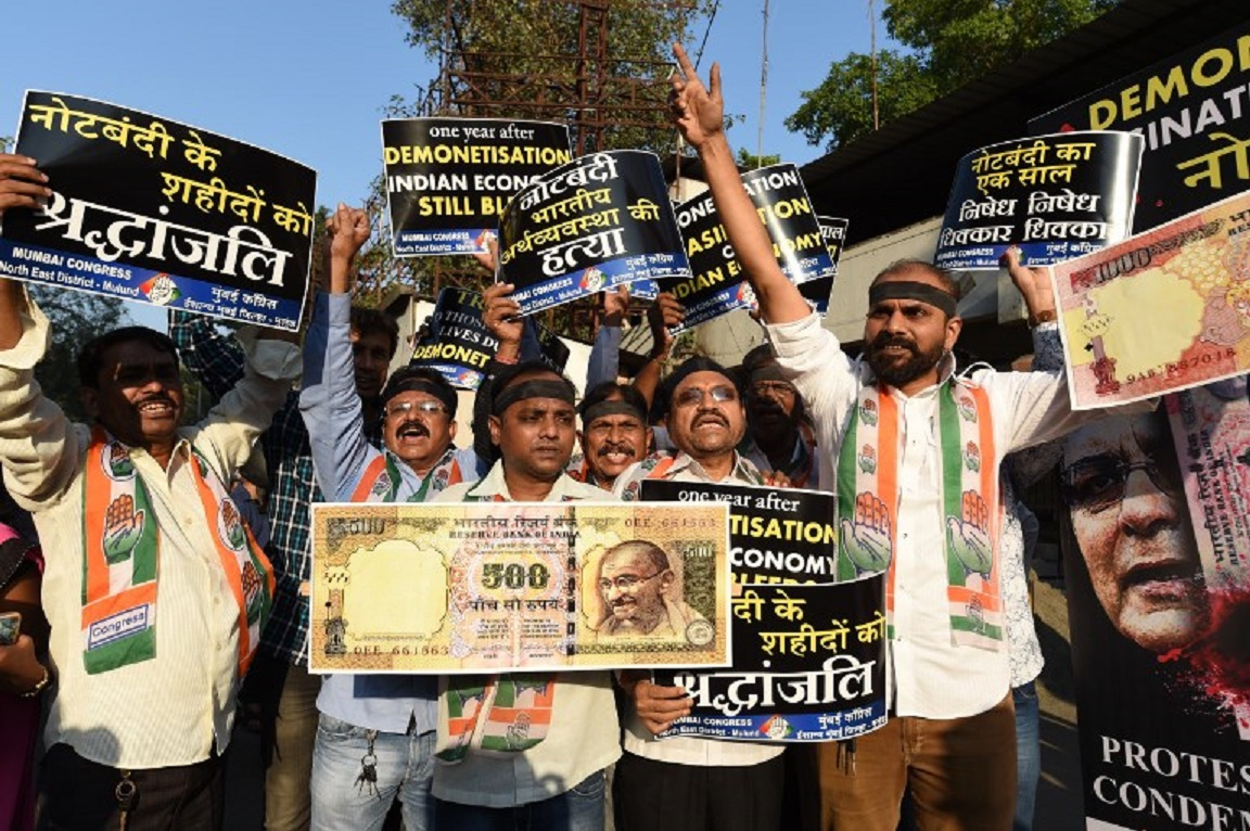 Supporters of India's Congress party shout slogans during a protest on the eve of the first anniversary of India's demonetization scheme, in Mumbai on November 7, 2017. Photo: AFP