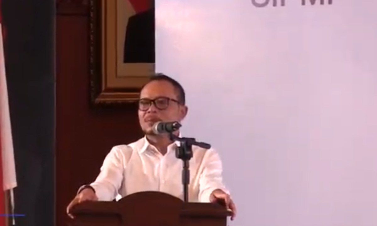 Minister of Manpower M Hanif Dhakiri speaking at the app's launch. Photo: Youtube.