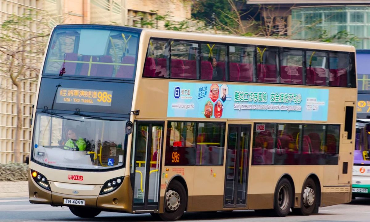 A bus in Hong Kong. Photo: WikiCommons