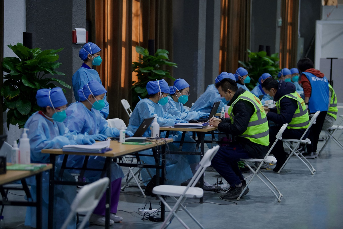 Chinese wary as Beijing pushes mass vaccination