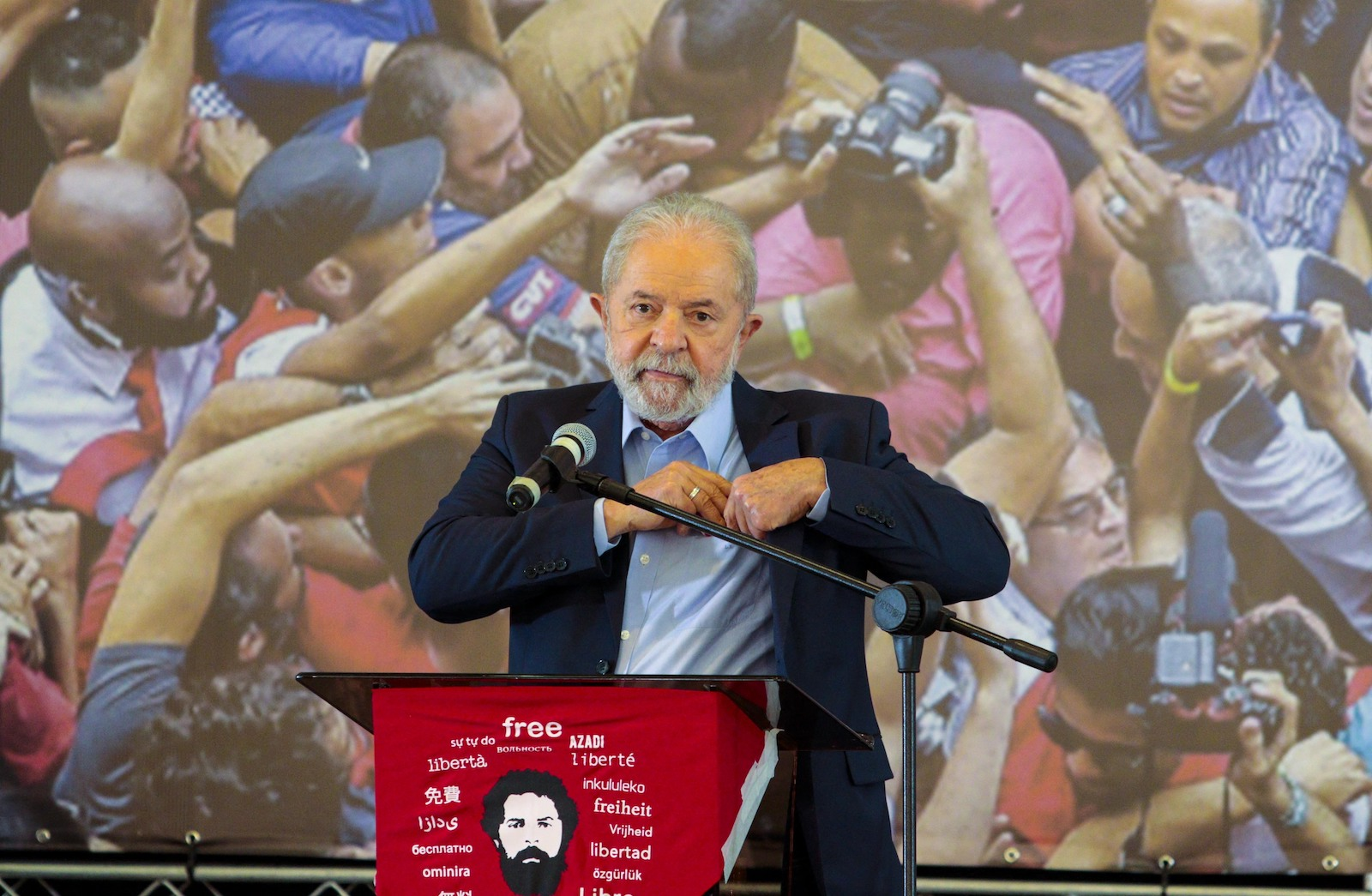 Former Brazilian President Lula da Silva holds a press conference at the metalworkers' union building in Sao Bernardo do Campo, in Sao Paulo, Brazil on March 10. Photo: AFP / Cris Faga / Anadolu Agency