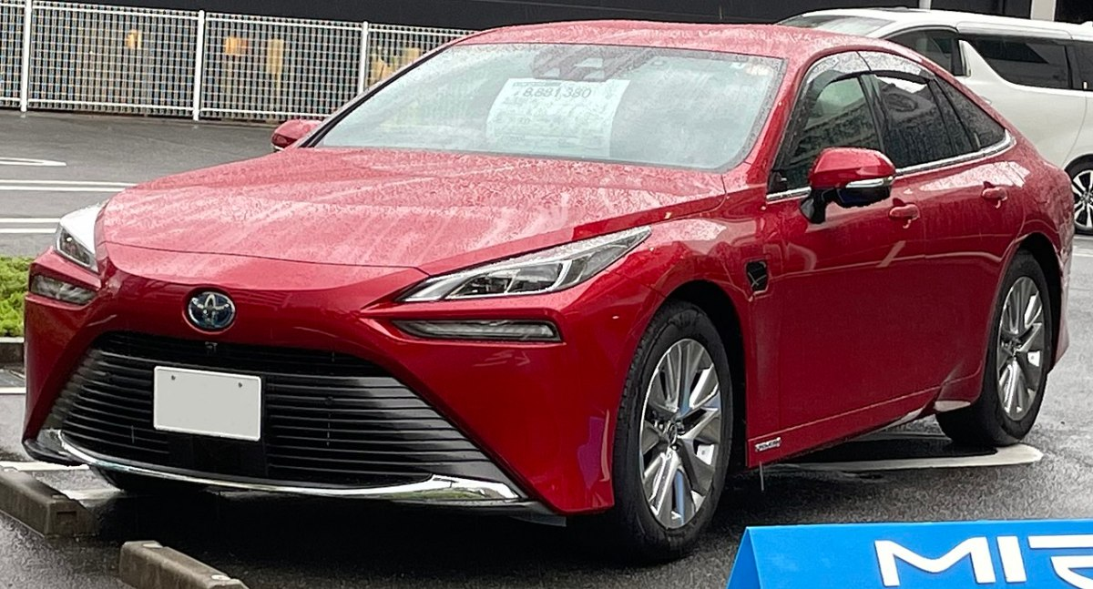 Japan may be on road to nowhere with hydrogen vehicles