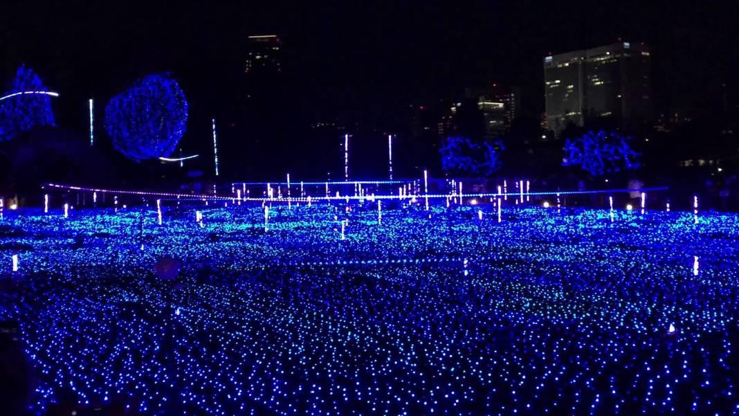 CHRISTMAS illumination in Tokyo Midtown Starlight Garden