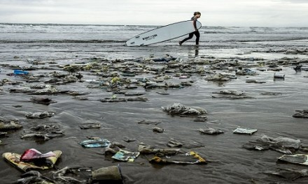 REDUCING MARINE DEBRIS WITH COLLABORATIVE ACTIONS