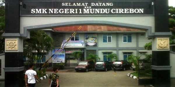 INDONESIA-MISMATCH BETWEEN SKILLS, JOBS
