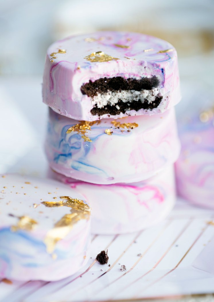 Pastel Unicorn Party Treats - Marbleized White Chocolate Dipped Oreos